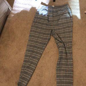 Never worn! Aritzia plaid pants!